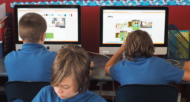 Digital classroom with access to iMacs